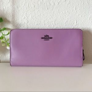NWOT Coach | Lilac Leather Wallet